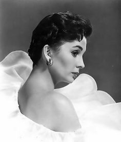 "Jean Merilyn Simmons (1929-2010) British actress. One of J. Arthur Rank's ""well-spoken young starlets"", she appeared predominantly in films, beginning with those made in Great Britain during and after the Second World War, followed mainly by Hollywood films from 1950 onwards."