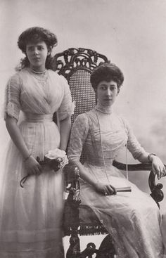 Pss Louise, duchess of Fife and youngest daughter, Pss Maud. 1900s.