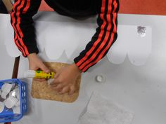 Roi ou reine… – Quoi de neuf à l'école Jean Macé ? Plastic Cutting Board, Durga, Blog, Art, King And Queen Crowns, Game Of Kings, Bridges, Day Care, Craft Art