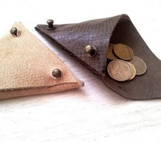***some good ideas for putting leather scraps to use!!! s-c