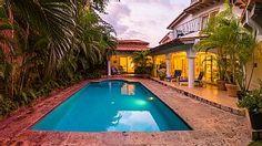Contemporary Villa in Lush,Tropical, Private Paradise