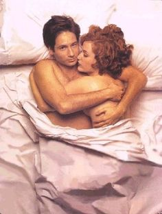 Mulder and Scully.  Whooh.  Wait a minute.  Did I miss an episode.