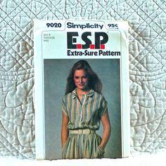 9020 SIMPLICITY Uncut PATTERN 1979 Women Loose Front Band Button Dress Elastic Waist Short Kimono Sleeves Size 14 16 18 3-oz
