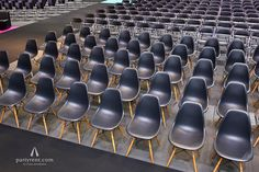 The Eames chairs are ready! | Online Marketing Rockstars Event | Party Rent