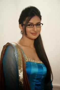 Indian Telly Actress Divyanka Tripathi Latest Hot and Spicy Unseen Picture | Bollywood Tamil Telugu Celebrities Photos