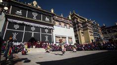 El monasterio de Ganden Sumtseling, construido en el siglo XVII, es apodado el pequeño Potala por su parecido con el principal templo del budismo de Lhasa, la capital del Tíbet