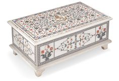 A PIETRA DURA INLAID MARBLE CASKET, PROBABLY AGRA, NORTH INDIA, 19TH CENTURY