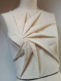 Origami Petal By Silvia Bissoli Textile Manipulation, Fabric Manipulation Techniques, Origami Dress, Fabric Origami, Origami Design, Draping Techniques, Sewing Techniques, Pattern Cutting, Pattern Making