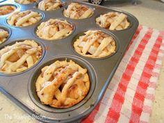 Mini Apple Pies from fresh Maine apples! - The Traveling Sitcom Mini Apple Pies, Mini Pies, Fun Baking Recipes, Apple Pie Recipes, Mini Desserts, Holiday Desserts, Easy Desserts, Recipe Filing, Fresh Apples