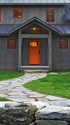 *if we ever decide to change the front door color* Exterior Photos Red Door + Exterior Paint Design, Pictures, Remodel, Decor and Ideas - page 4 Rustic Exterior, Grey Exterior, Exterior Siding, Exterior Paint, Exterior Design, Roof Design, Ranch Exterior, Exterior Remodel, Cabin Design