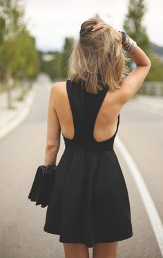Street style l Little black dress l Spring Summer 2016 l Outfit l Nice open back l Mode Style, Style Me, Daily Style, Pretty Dresses, Beautiful Dresses, Casual Styles, Mode Outfits, Mode Inspiration, Look Fashion