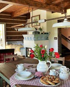Old Kitchen, Home Decor Kitchen, Cozy Cottage, Cottage Style, Chalet Design, House Design, Homer Decor, Cosy Home, Estilo Country