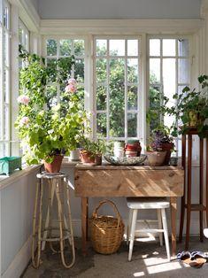 Elsa Billgrens magiska hus på Gotland – kika in   ELLE Home Renovation, Home Remodeling, Hygge, Paris Home, Simple Living Room, Small Living, Living Room Trends, Living Rooms, House Rooms