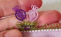 New Pineapple Needle Lace Writing Edge Model Making You Never Seen - Jeffree Star, Learn How To Knit, How To Make, Viking Tattoo Design, Sunflower Tattoo Design, Needle Lace, Knitted Shawls, Knitting Socks, Lace Up Shoes