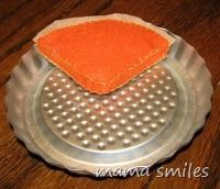 Felt food - free pumpkin pie pattern at mama smiles. Have you made felt food for your kids?
