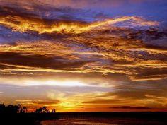 Sunset in La Paz, Baja California Sur, Mexico.  Pic: https://www.facebook.com/purelapaz