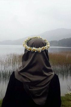 hijab and muslim Hijab Niqab, Hijab Chic, Mode Hijab, Hijab Outfit, Anime Muslim, Muslim Hijab, Hijabi Girl, Girl Hijab, Muslim Girls