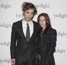 Twilight Cast, Twilight Pictures, Twilight Movie, Jennifer's Body, New Moon, Robert Pattinson, Princesas Disney, Photo Dump, Movies Showing