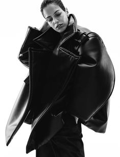 Voluminous Fashion - jacket with oversized proportions & 3D silhouette; sculptural fashion // Melitta Baumeister