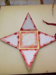Carte pyramide, ouverte - carte d'anniversaire pour ma mère - 2013 -
