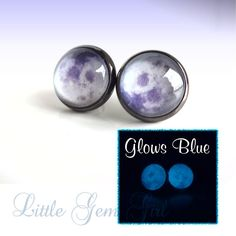 Glow in the Dark Full Moon Post Earrings - Gunmetal Grey Setting - Fake Plugs Cute Jewelry, Body Jewelry, Jewelry Accessories, Unique Jewelry, Fake Plugs, Ear Gauges, Moon Earrings, Stud Earrings, Sombre