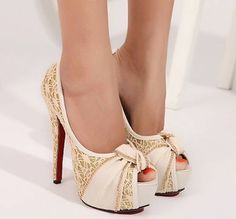 #Women's #shoes...These are so sweet! Can wear with anything and anywhere! Why are these not in my closet?