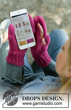 Keep in Touch / DROPS - Knitted mittens in DROPS Nepal. Mobile mittens with opening for thumb and index finger. Knitting Designs, Knitting Patterns Free, Free Knitting, Knitting Projects, Free Crochet, Free Pattern, Crochet Patterns, Knitted Mittens Pattern, Crochet Gloves