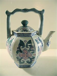 Very Pretty Small Porcelain Tea Pot Made In China Blue, White & Pink Exc. Cond. | eBay
