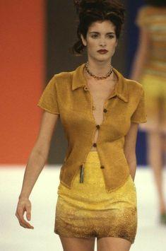 Stephanie Seymour Stephanie Seymour, Brunettes, Backstage, Editorial Fashion, Supermodels, High Fashion, Runway, Glamour, Couture