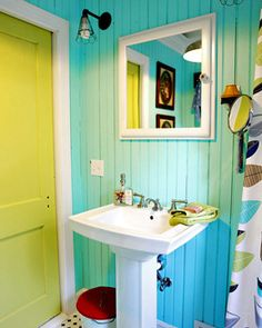 Smart decorating ideas for small bathrooms, as well as small bathroom photos, from the Guide to Budget Decorating at About.com.: Be Bold With Brights