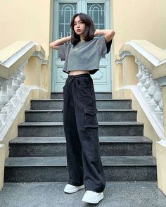 dinner date outfits Kpop Fashion Outfits, Tomboy Fashion, Edgy Outfits, Retro Outfits, Mode Outfits, Cute Casual Outfits, Look Fashion, Streetwear Fashion, Grunge Outfits