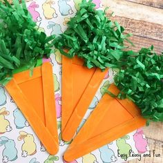 Carrot Craft - Easter Craft Idea for Kids - Easy Peasy and Fun Easter Arts And Crafts, Easter Egg Crafts, Spring Crafts, Outdoor Christmas Planters, Outdoor Christmas Decorations, Homemade Christmas Gifts, Christmas Crafts, Carrot Craft, Art For Kids