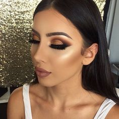 New bridal glam makeup cut crease ideas Glam Makeup, Cute Makeup, Skin Makeup, Makeup Inspo, Eyeshadow Makeup, Makeup Inspiration, Glitter Eyeshadow, Eyeshadow Palette, Eyeshadows