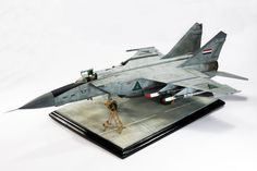 Kitty Hawk's 1/48 scale Iraqi MIG-25PDS by Ivan Aceituno