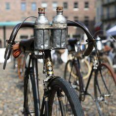 """GRAN CORSA · La """"GRAN CORSA di Primavera da Milano a Sanremo"""" è un museo del bicicletta itinerante. The """"GRAN CORSA di Primavera da Milano a Sanremo"""" is a itinerant museum of bicycle."""