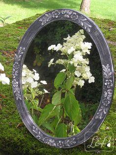 Miroir ovale Art déco patiné, époque 1900-1930, avec fleurs en reliefs…
