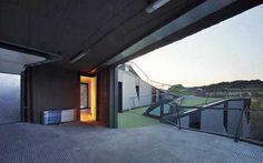 Rooftop Mini Golf House - Design via www.trendsi.com