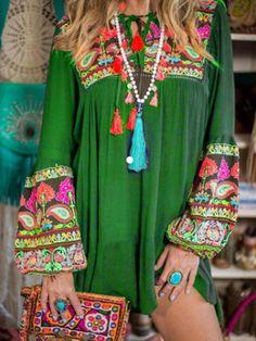 Plus Size Summer Short Dress Hippie Tribal Floral Vintage Boho Beach Gypsy Sundresses Swing Long Sleeve Casual Empire Dress – wedreammore Boho Gypsy, Bohemian Mode, Unique Fashion, Trendy Fashion, Boho Fashion, Fashion Dresses, Fashion Trends, Style Boho, Boho Chic