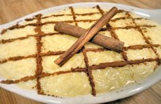 This Portuguese sweet rice pudding recipe (receita de arroz doce) is very popular and makes an amazing dessert. Portuguese Sweet Rice Recipe, Portuguese Desserts, Portuguese Recipes, Portuguese Rice, Sweet Rice Pudding Recipe, Rice Pudding Recipes, Rice Recipes, Great Desserts, Delicious Desserts