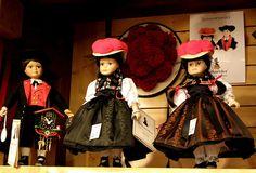 Puppen in der Tracht by monikabok, via Flickr #Gutachtal