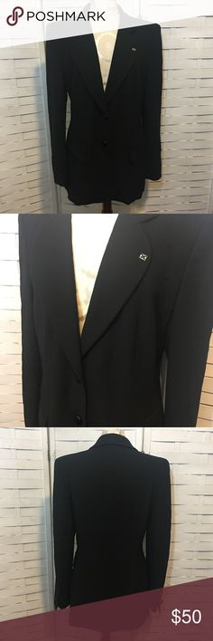 """Vintage escada blazer N.384 Vintage blazer in excellent condition! No flaws to be noted. It has shoulder pads and very unique metal buttons! The label has an """"E"""" monogram. Escada Jackets & Coats Blazers"""