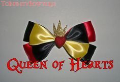 Queen of Hearts Disney Bow. I don't care if you steal my tarts just don't you dare steal my bow! Other wise of with your head ! Crazy Hat Day, Crazy Hats, Disney Hair Bows, Disney Outfits, Disney Diy, Disney Crafts, Ribbon Hair, Ribbon Bows, Ribbons