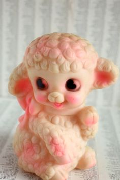 Mary Had a Little Lamb - Vintage Squeaky Toy 1969 Little Pink Lamb by Dreamland Creations Vintage Baby Toys, Vintage Games, Vintage Easter, Vintage Dolls, Retro Vintage, Vintage Stuff, Plywood Furniture, Kitsch, Chinoiserie