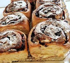 Sok finomságot készítettem már, de ez a kelt tészta nálunk a kedvenc, érdemes kipróbálni ezt a csodás sütit! Hozzávalók: 500 gr. liszt 6 ek.cukor 2,5 dl. 30% -os állati habtejszín 0,5 dl . tej 2,5 dkg friss élesztő 2 egész … Egy kattintás ide a folytatáshoz.... → Tej, Doughnut, French Toast, Breakfast, Sweet, Food, Morning Coffee, Meals, Yemek