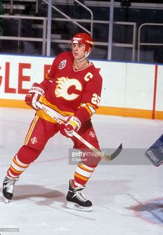 Joe Nieuwendyk #25 of the Calgary Flames skates on the ice during an NHL game against the New York Rangers on December 15, 1992 at the Madison Square Garden in New York, New York.