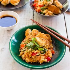 Crunchy Chicken Bites with Katsu Dipping Sauce and Veggie Rice Chicken Bites, Healthy Recipes, Healthy Food, I Foods, Food Inspiration, Risotto, Spinach, Delish, Rice