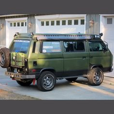 - an ultimate VW Bus? Transporteur Volkswagen, Bus Vw, Vw T3 Camper, T3 Bus, Off Road Camper, 4x4 Camper Van, Vw T3 Doka, Vw Vanagon, Vw T3 Tuning