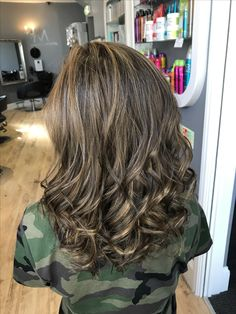 Colour correction from black to soft caramel blondes