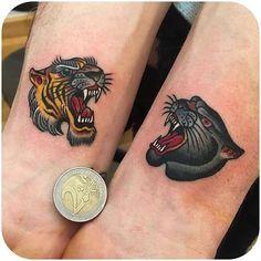 Kleine traditionelle Tattoos: großartige Old-School-Tattoo-Ideen - beste Ta. - Kleine traditionelle Tattoos: großartige Old-School-Tattoo-Ideen – beste Tattoo-Ideen – K - Trendy Tattoos, Small Tattoos, Tattoos For Guys, Cool Tattoos, Back Tattoos, Tatoos, Tiger Head Tattoo, Big Cat Tattoo, Panther Tattoos