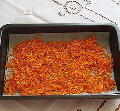 Dried Marigold Petals are edible flowers and good replacement for saffron - 2pots2cook.com